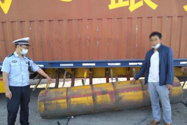 罚款500货车油箱长达1米5卡友:这不是便宜了油耗子