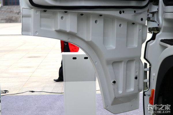 卡车新体验(15)防碰撞+自适应巡航X6000危化版或许能救命!