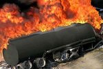 认准危险品运输车标识 遭遇其爆炸起火这样逃生