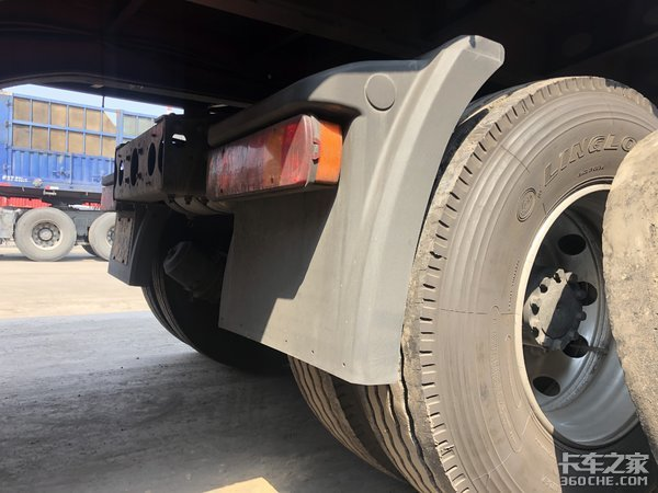 车头+挂车仅13吨重,最多能拉36吨货,解放悍V:我是专业拉煤车