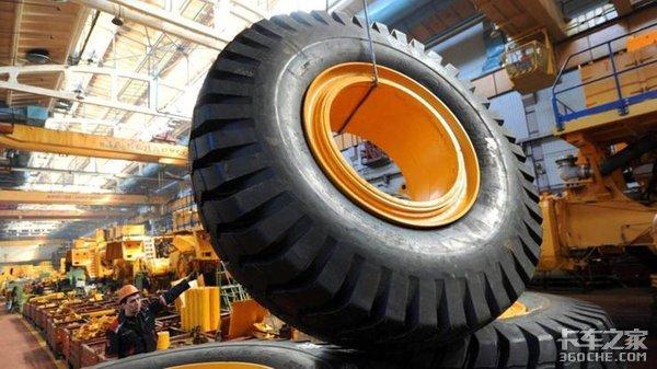 4660马力怪兽,载重450吨,BelAZ75710矿用自卸车价值4千万