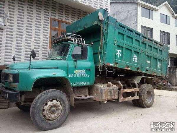 主流拉砖运输车,这台2手东风自卸车花了12.8万,车主:买值了