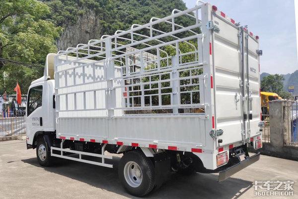 车市速看:瓜果蔬菜运输车车市速看:115匹的五十铃KV100仓栅轻卡