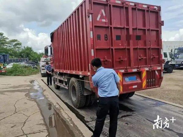 空车就超载!深圳开展专项整治严查蓝牌货车非法改装及大吨小标