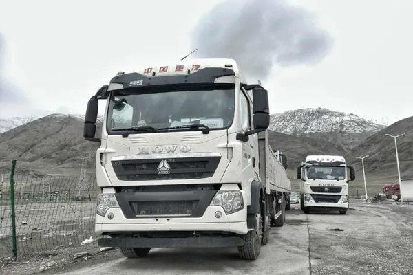 挑战4000米昆仑山!中国重汽完成国六车型高原试验