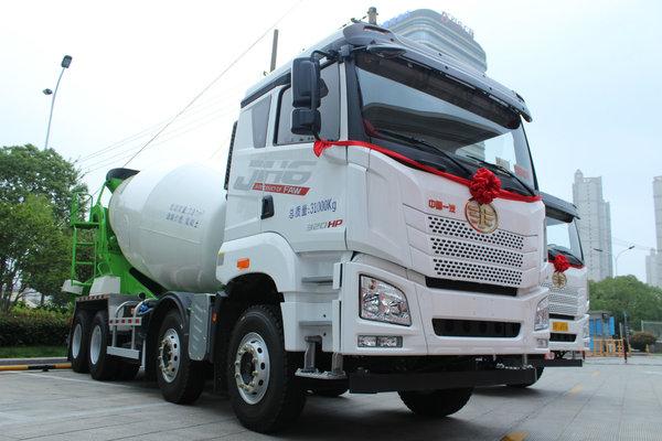 整车自重仅13.7吨 JH6法规版搅拌车上市