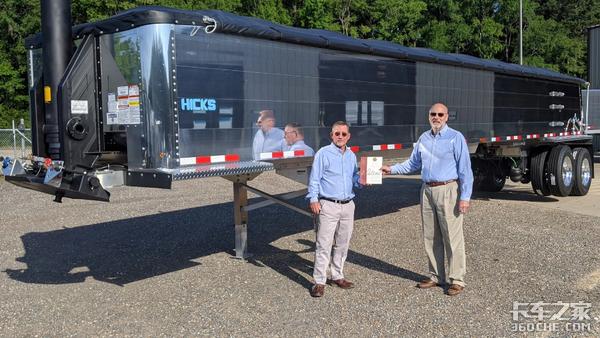 货厢无需焊接,自重仅4吨,这台铝合金自卸挂车获美国17项专利