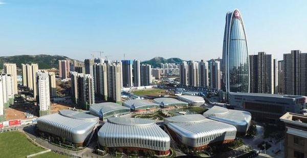 谭旭光:中国重汽上半年汇总营业收入774亿元