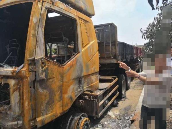 经济损失近90万!因为觉得放火好玩男子故意纵火烧毁多辆货车