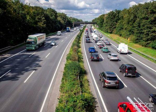 卡家号征稿:国外免费、国内收费,国内外高速公路有啥区别?