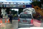 罚款最低12元交警不敢乱罚款 运价司机说了算 尼泊尔是货运天堂?