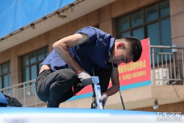 天热也能好好休息看汕德卡如何加装一体式驻车空调