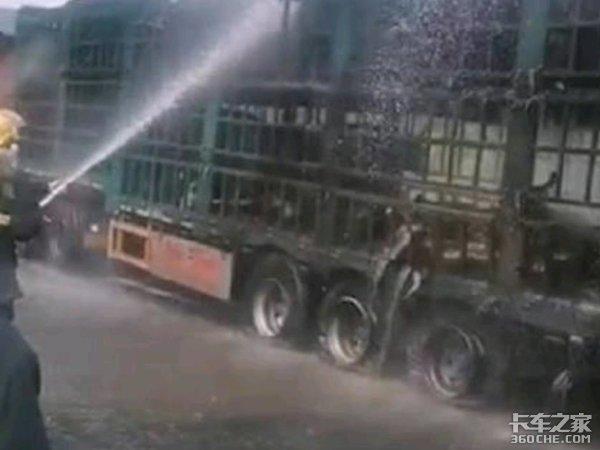 半车活牛被烧死,隧道整修1个月,货车频频自燃到底啥原因?