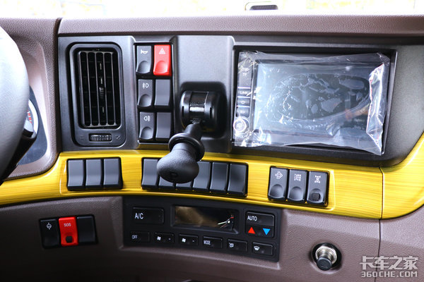 卡车新体验(17)460马力的8x4绿通车乘龙H7再添猛将!