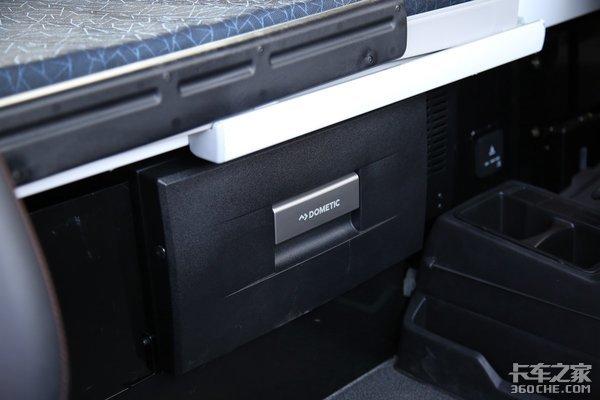 车市速看:540马力配液缓自动挡这台汕德卡C7H原车带冰箱
