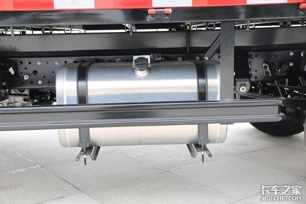 156马力还是自动挡11万买跃进这款4米2轻卡香不香?