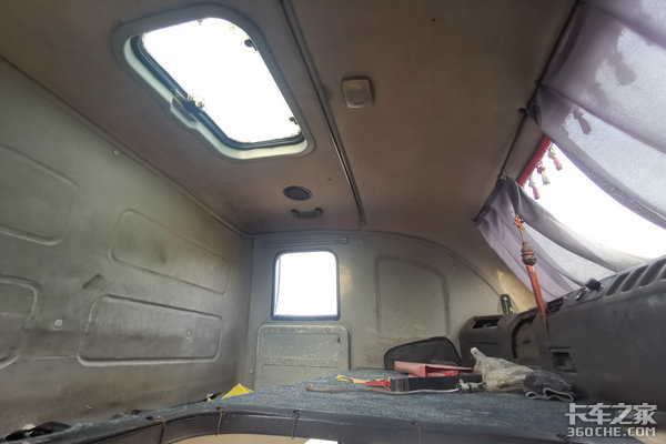 可能是最早的生活舱解放四大房车版你还真不一定见过!