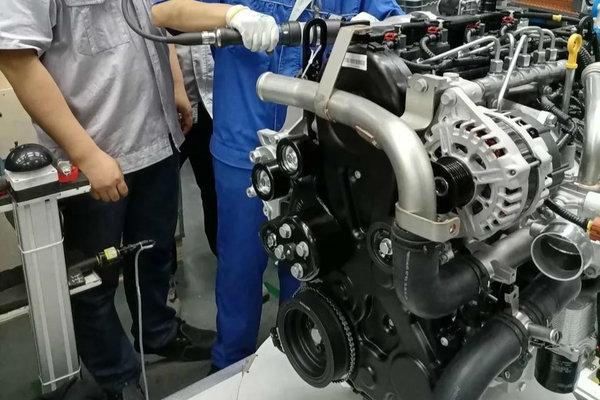 定位中高端轻卡!欧康PDV4国六发动机小批量下线
