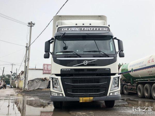 沃尔沃4X2拖头+16米2轴挂车,这配置拉快递,每年高速费能省4万元