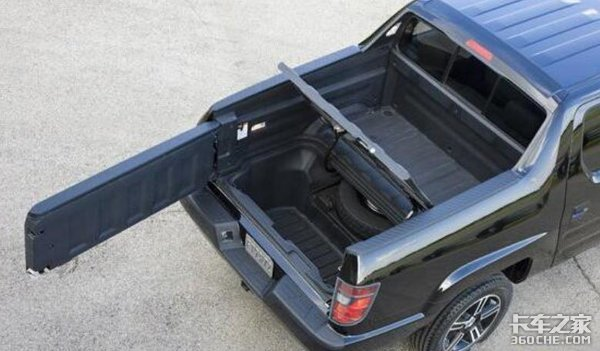 能拉货能越野,开着像SUV一样舒服,乘用版皮卡会火吗?
