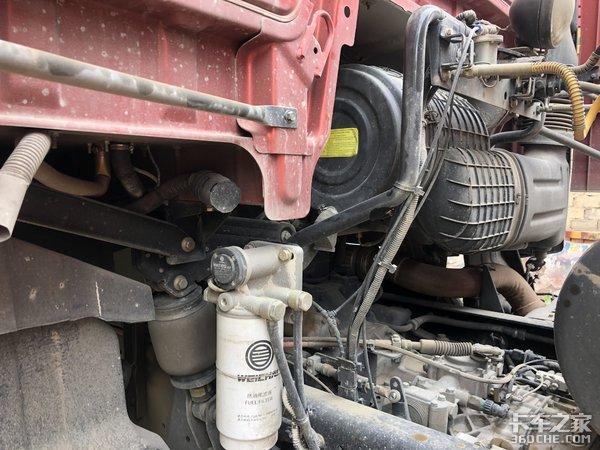 550马力解放JH6牵引车拉砂石料怎么样?司机:细节有待提升