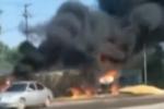 又一个英雄!货车相撞起火 司机不顾3次油箱爆炸帮对方卸掉车头