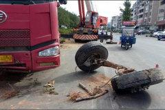 货车没了前轮还能跑?网友表示看不懂