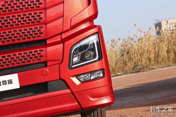 年度盛典:JH6智尊版牵引车获年度受关注车型