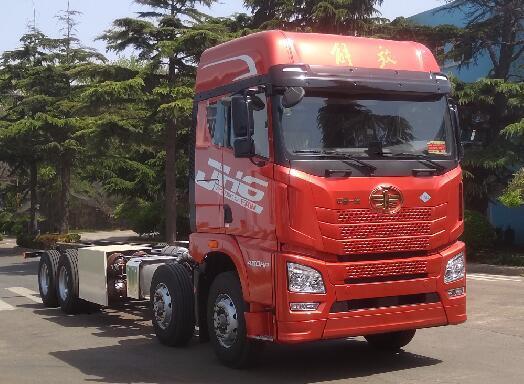 牵引车外观+460马力燃气机解放JH6再次推出新载货车型