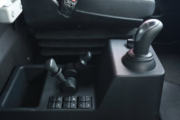 来吧,展示!且看红岩杰狮2020AMT牵引车高颜值与硬实力