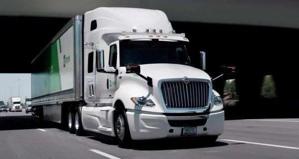 最高每秒320万亿次计算Navistar自动驾驶卡车2024年量产