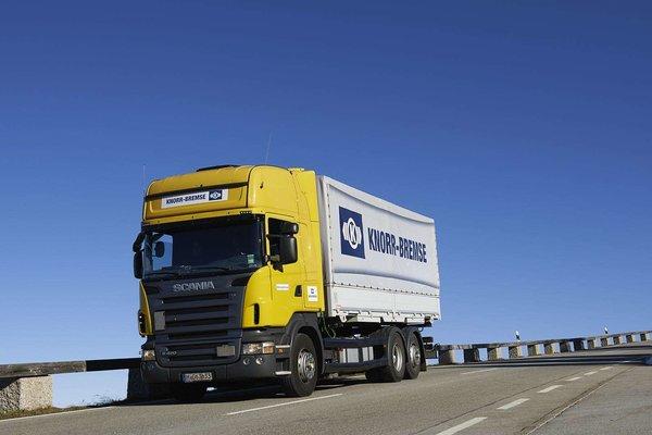 和盲区说再见克诺尔携手Mobileye推出卡车专用辅助转弯装置
