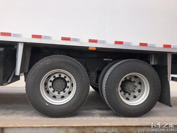 为匹配货厢,车主把驾驶室切割了,这台欧曼冷藏车你觉得怎么样?