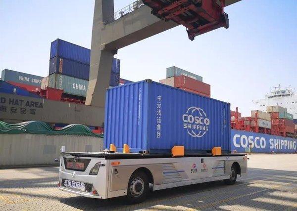 唐山港开启无人集装箱卡车运输卡友:集卡司机快要失业了吗