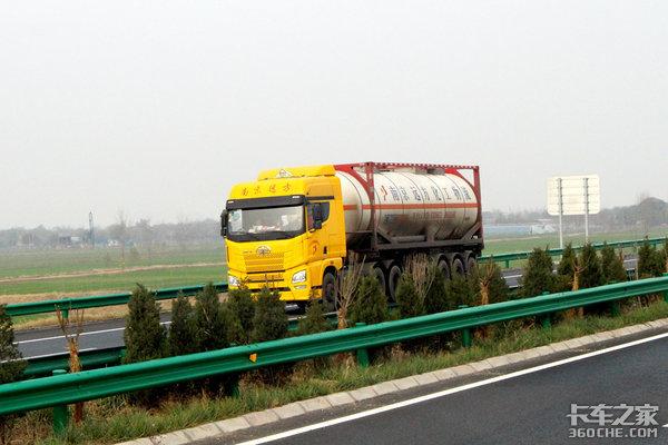 山东济南绕城高速以内禁行货车、危化品运输车8月24日正式实施
