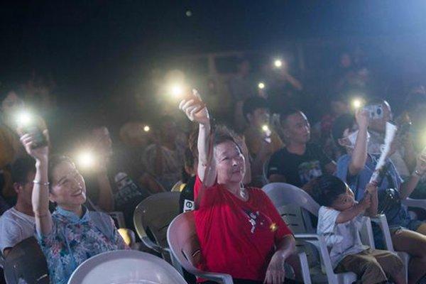 货车演唱会火了卡友们办完一场又一场网友:什么时候来个全国巡演