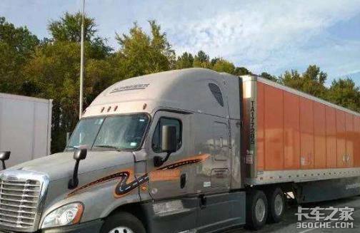 在北美开卡车年入50万有多难?一个驾照就够你学半年