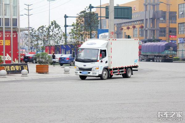 公安部:鼓励城市配送货车适当放宽限行