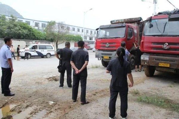 男子欠债不还将名下12辆货车藏匿结果全被查封