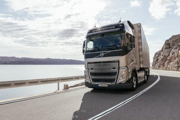 高效节油再升级!全新沃尔沃卡车FH系列搭载I-Save可降低油耗高达10%