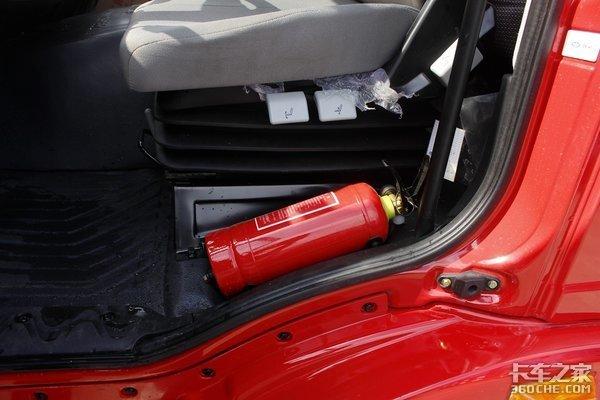卡友行车要留心关注这四点保证你的爱车炎炎夏日远离火灾