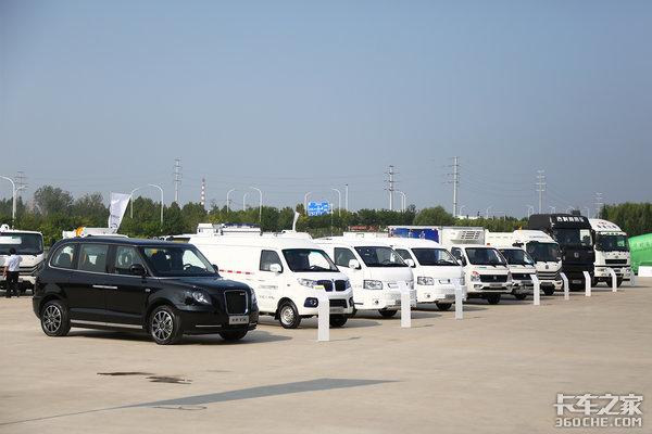 吉利皮卡来了!吉利商用车发布旗下首款皮卡新款纯电动客车同步上线