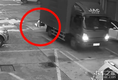十字路口抢道、倒车撞人、鬼探头,这3种情况哪个最难防?