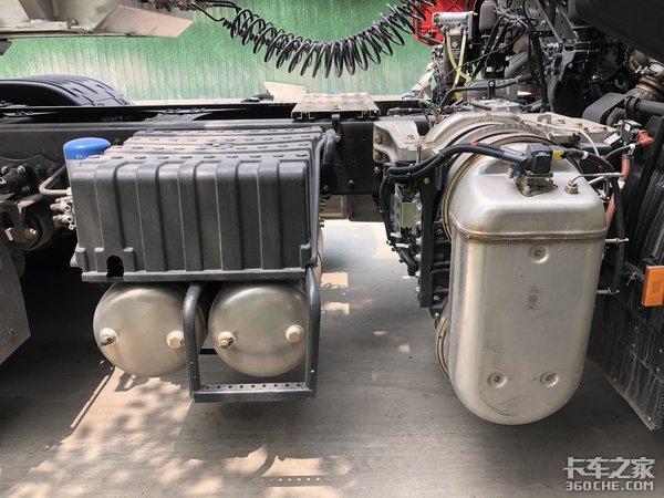 国六康明斯动力,轻量化底盘悬架,东风天龙VL危化品车配置够硬
