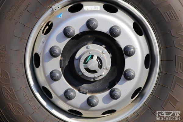 车市速看:福康430马力发动机上身主打高效物流的欧曼EST9.53米8×4