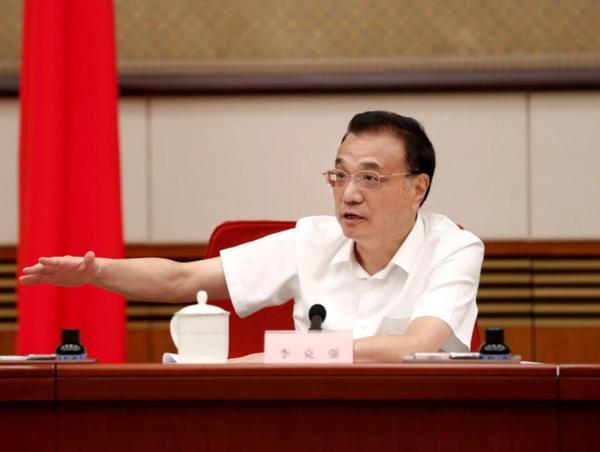 李克强总理:抓好柴油车污染防治提高城配新能源货车使用比例