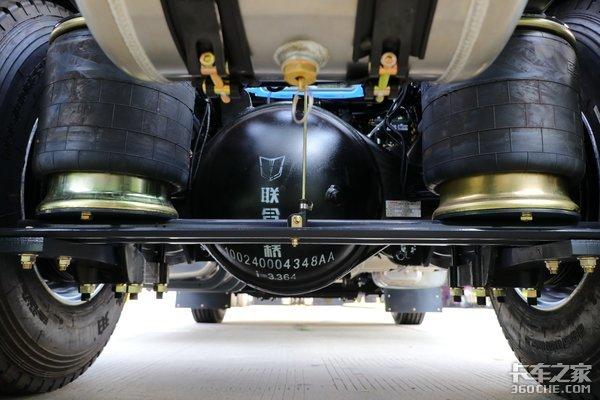 搭载480马力机+采埃孚AMT这款联合U+两轴车竟是快递快运的挣钱利器