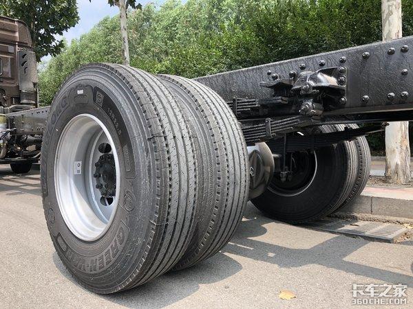 长途拉绿通,想要一款马力大又舒适的载货车,解放JH6怎么样?