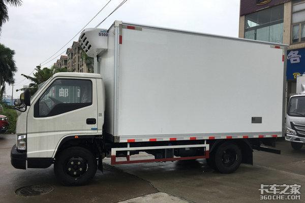 车市速看:江铃116匹国六轻卡冷藏车