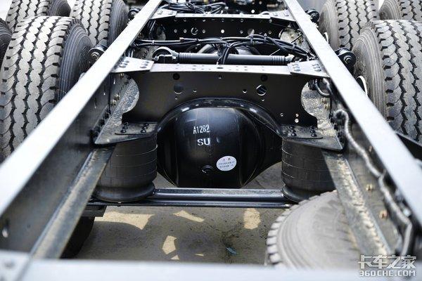 460马力配自动挡欧曼EST绿通之星实拍